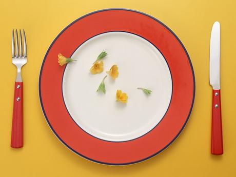 調理経験を活かして働ける「給食調理員」!プロの考えた栄養満点のメニューも学べますよ。